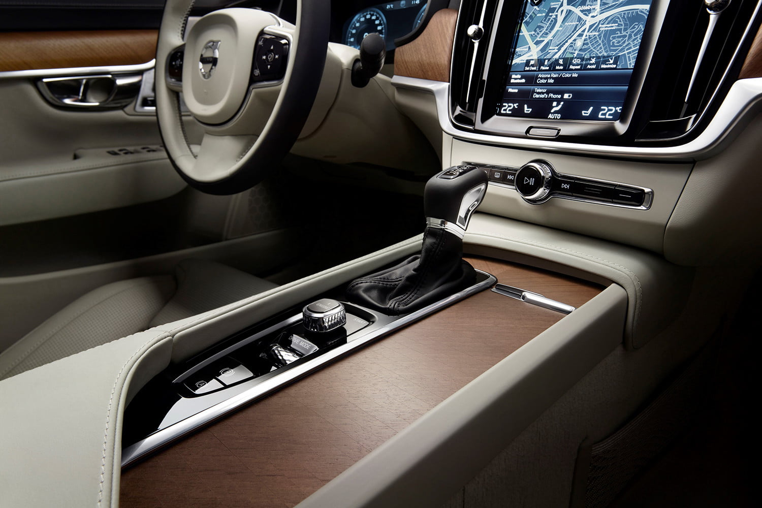 dt cars top stories of 2015 170144 interior tunnel console volvo s90