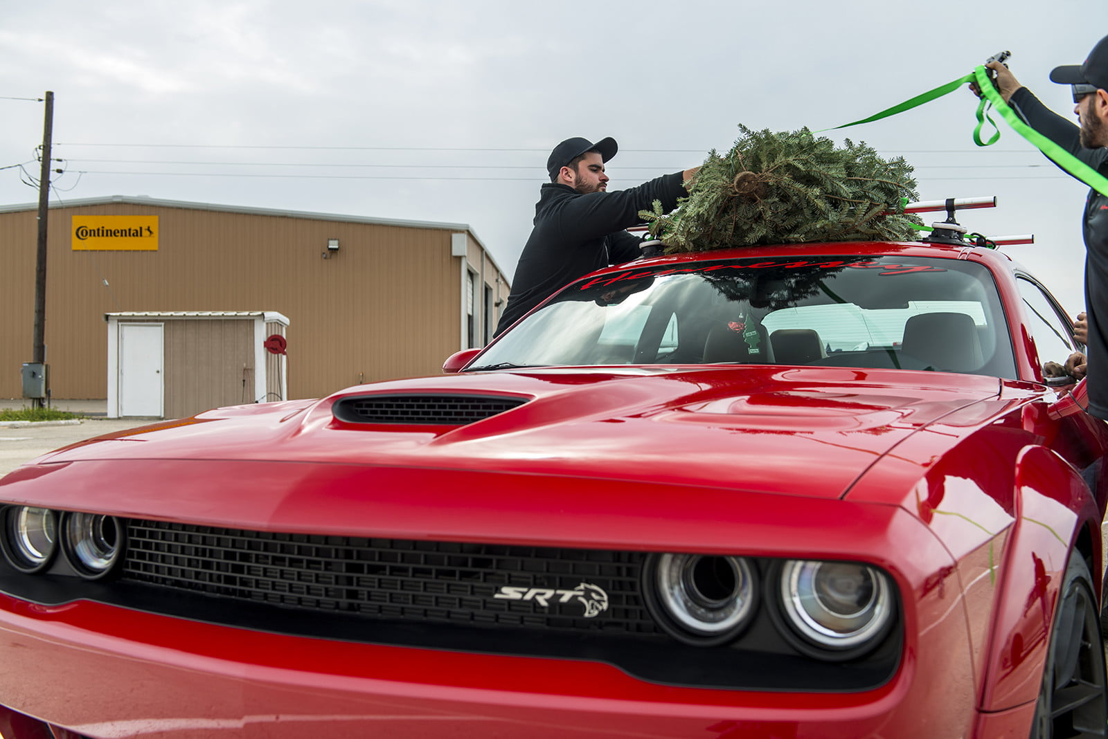 hennessey and dodge takes record for worlds fastest christmas tree 174mph 15