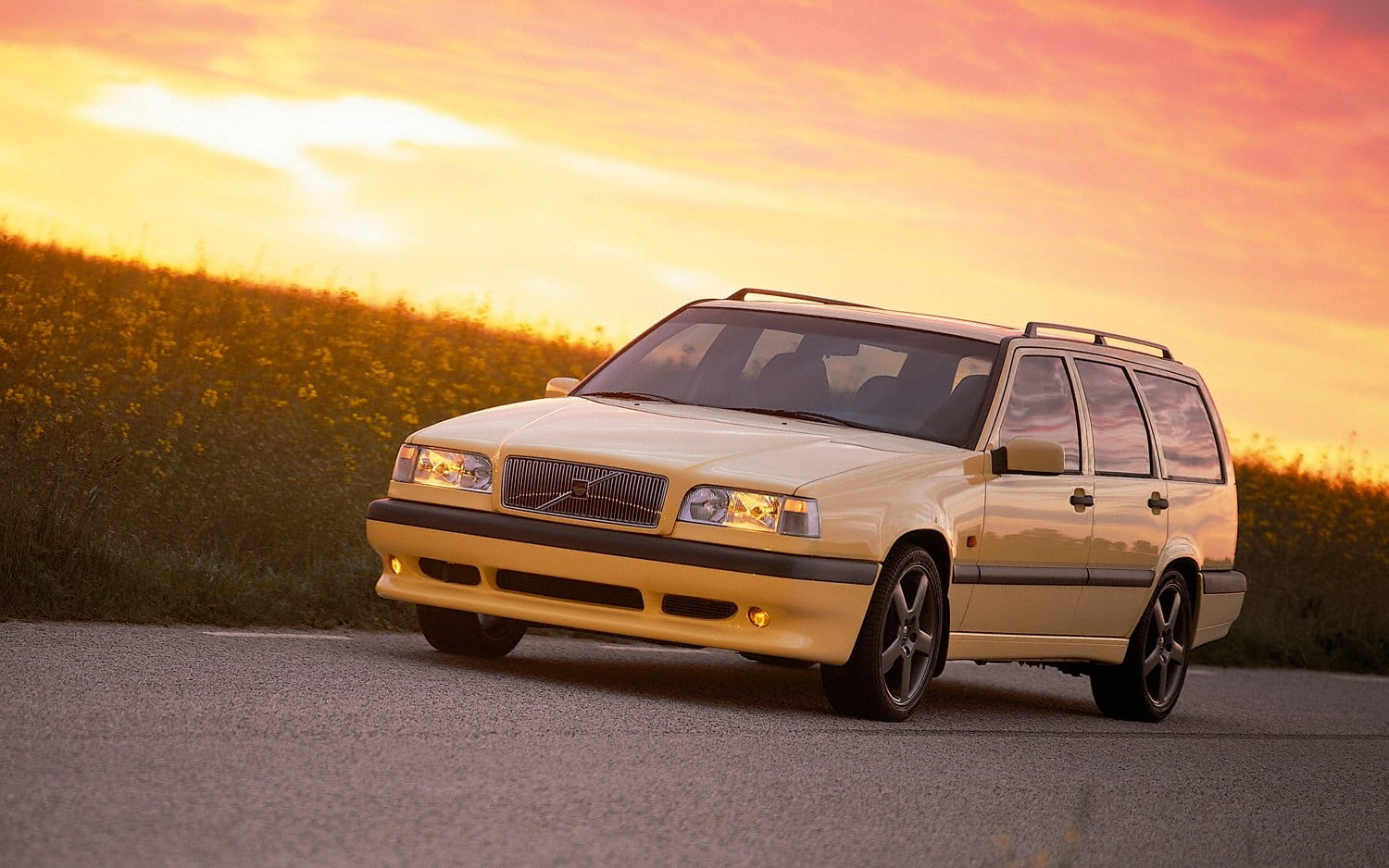 favorite station wagons from history 1995 volvo 850 t5 r wagon front three quarter lights on