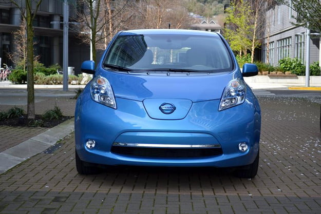 2012 nissan leaf review review2