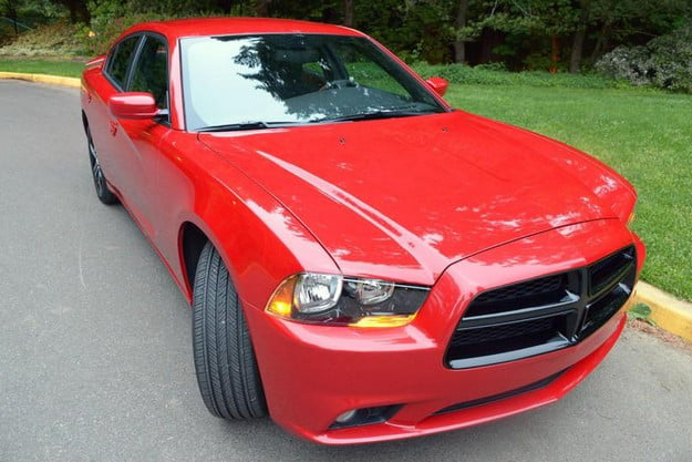 2013 dodge charger sxt awd exterior front right 800x600