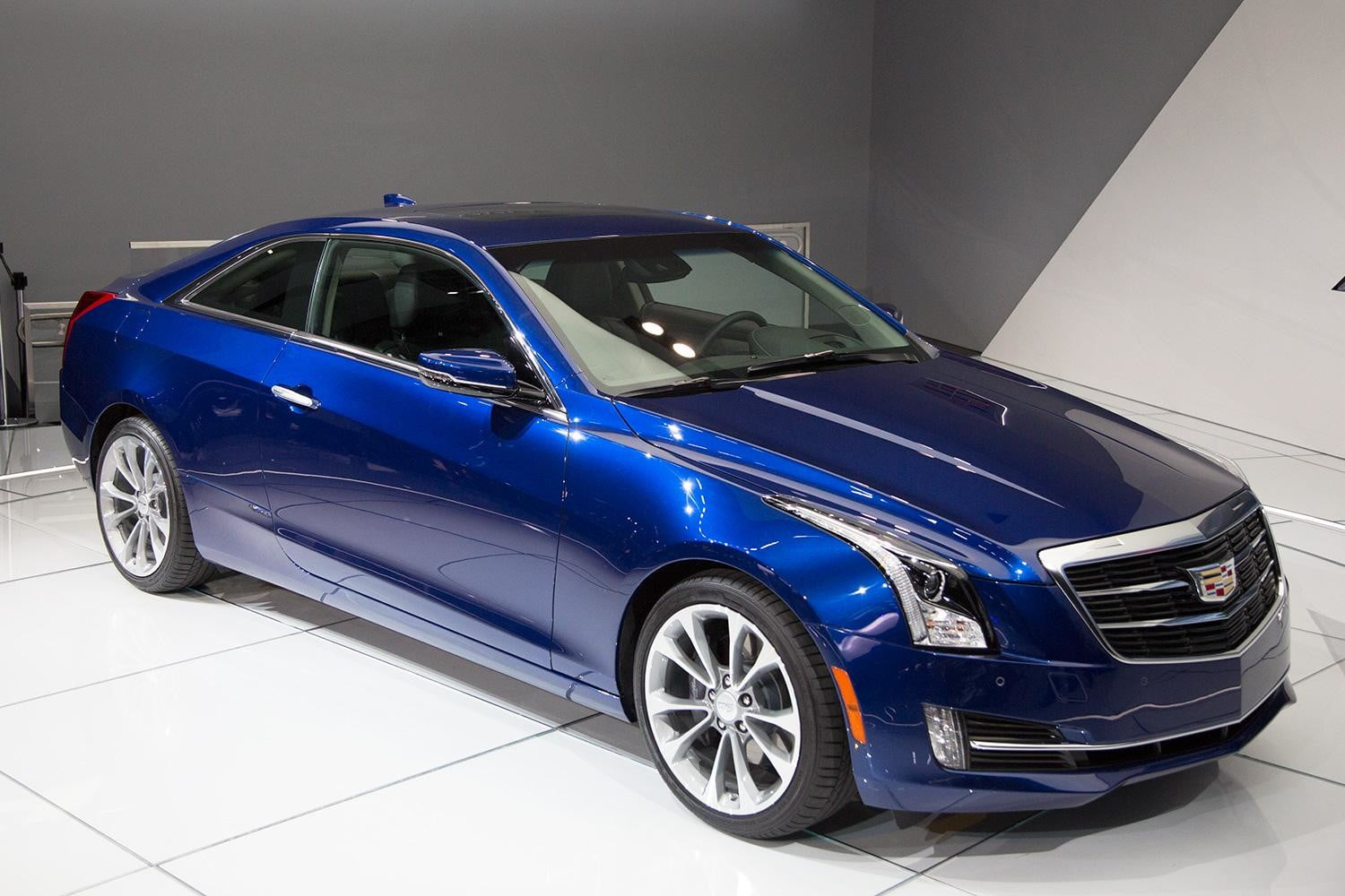 2015 Cadillac ATS Coupe front right