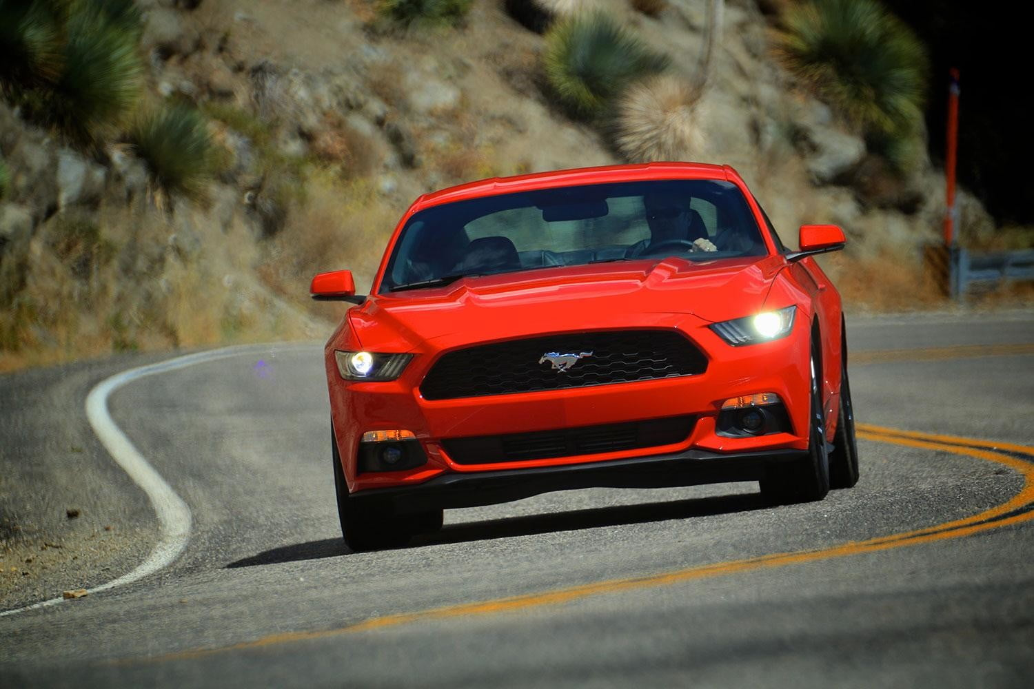 2015 Ford Mustang driving 3
