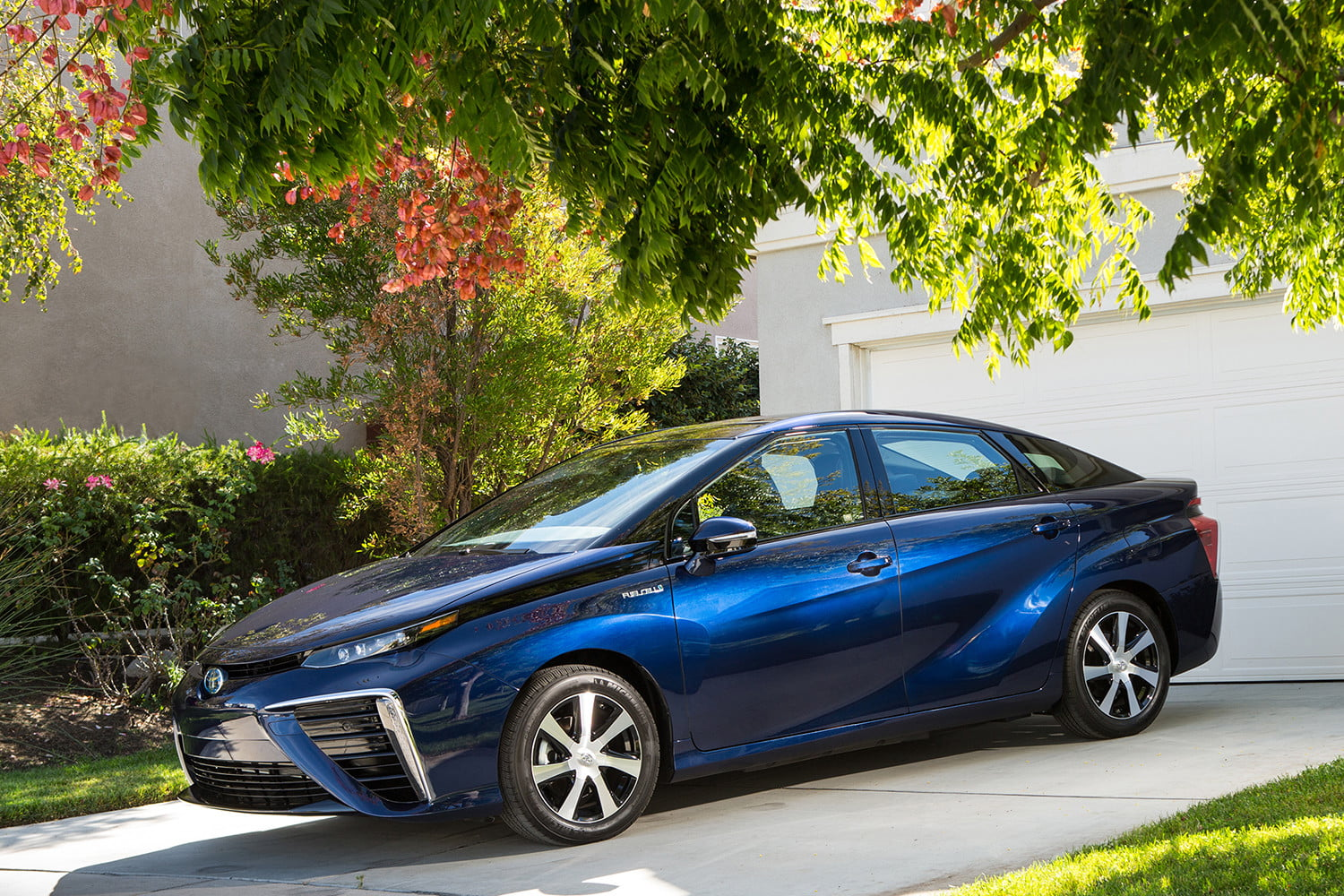 dt cars top stories of 2015 2016 toyota mirai
