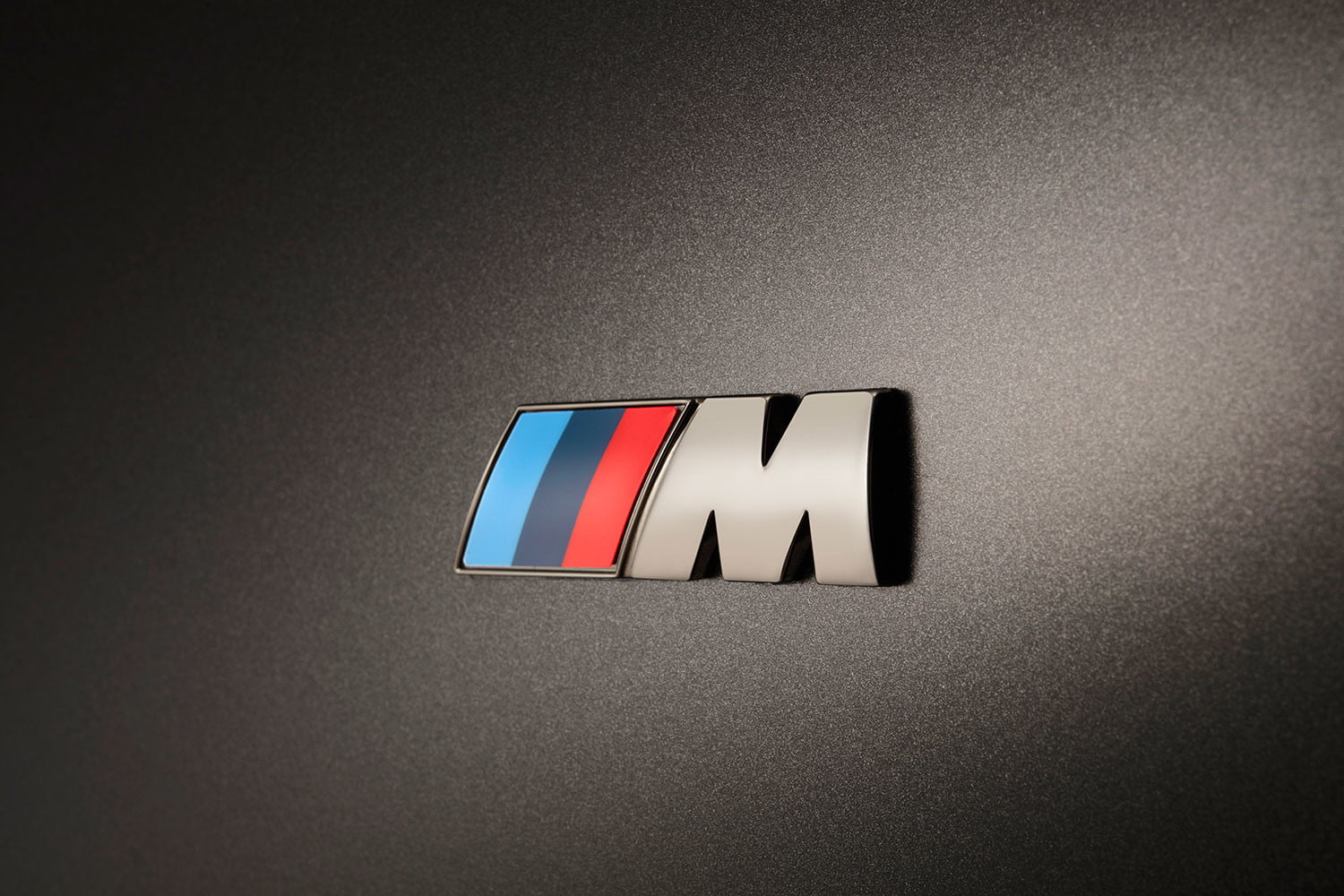 bmw is returning to its m car roots and ushering iperformance into the spotlight 2017 m760li xdrive 0022