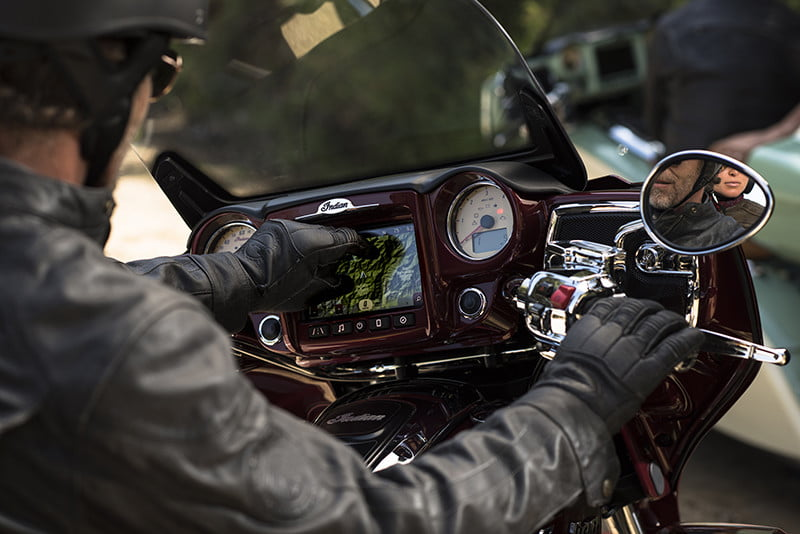 indian motorcycle ride command touchscreen 2017 imc infotainment roadmaster 03
