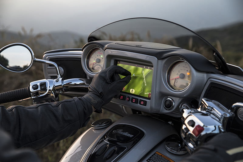 indian motorcycle ride command touchscreen 2017 imc infotainment roadmaster 04