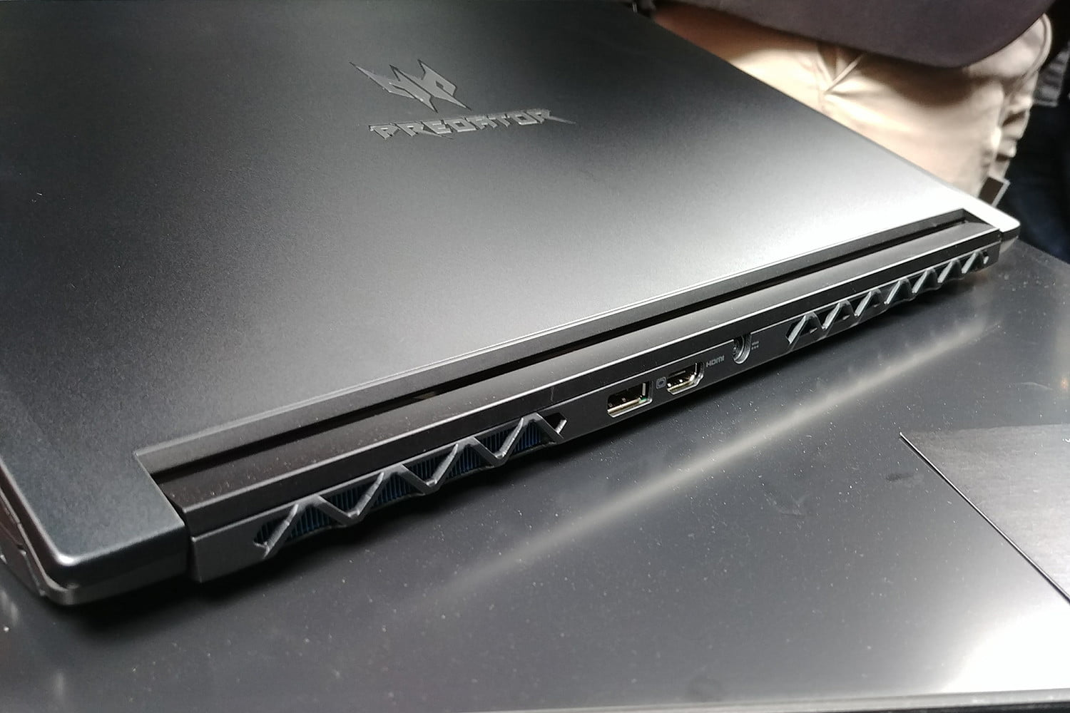 acer triton 700 hands on review 20170427 122413