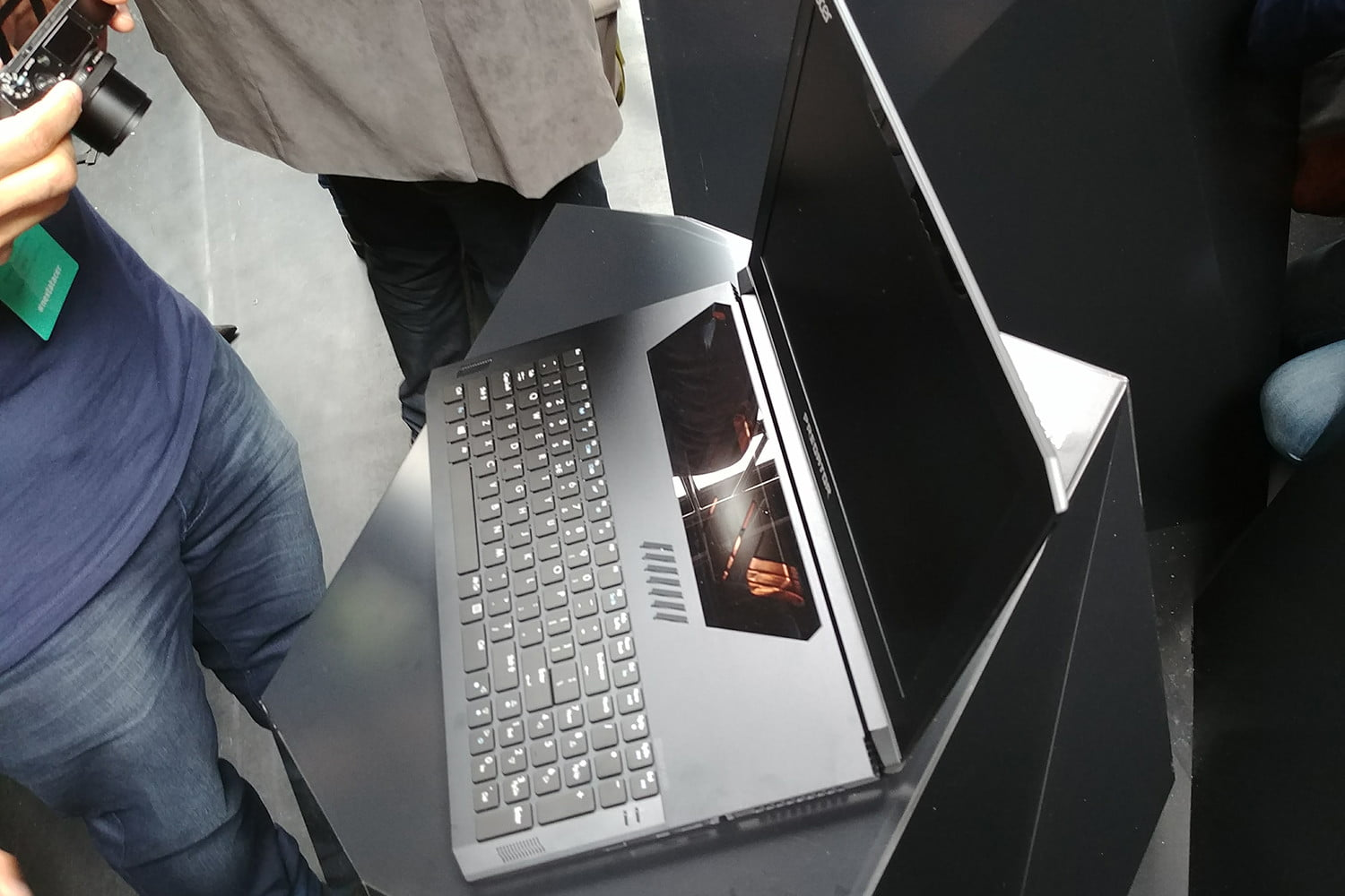 acer triton 700 hands on review 20170427 122716 hdr