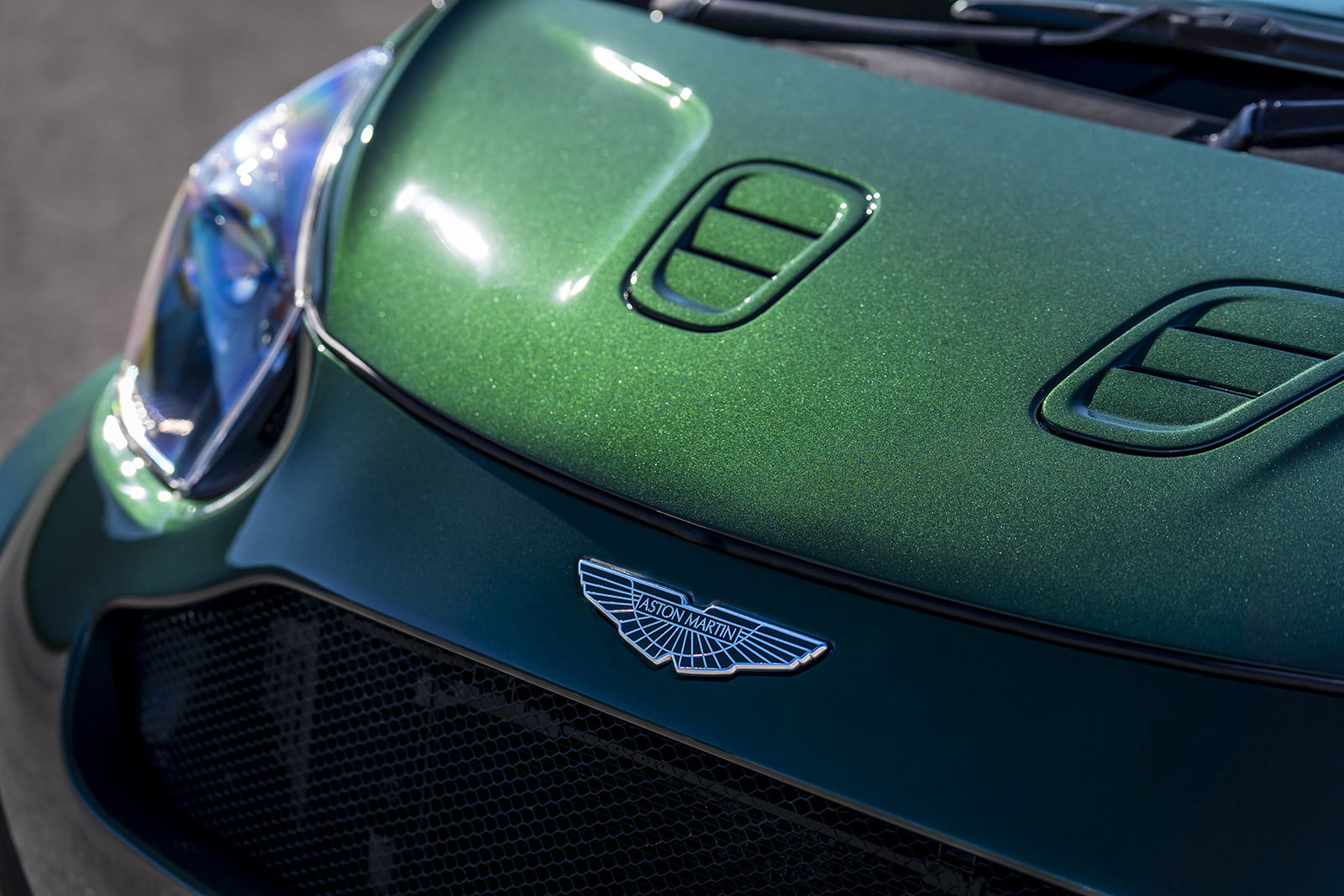 aston martin shoehorns the v8 vantage ss kit into a cygnet for goodwood 2018  4