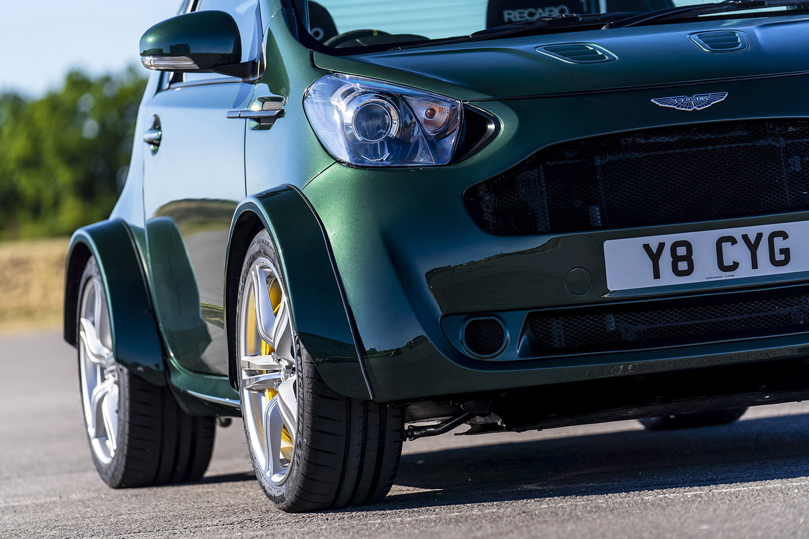 aston martin shoehorns the v8 vantage ss kit into a cygnet for goodwood 2018  7