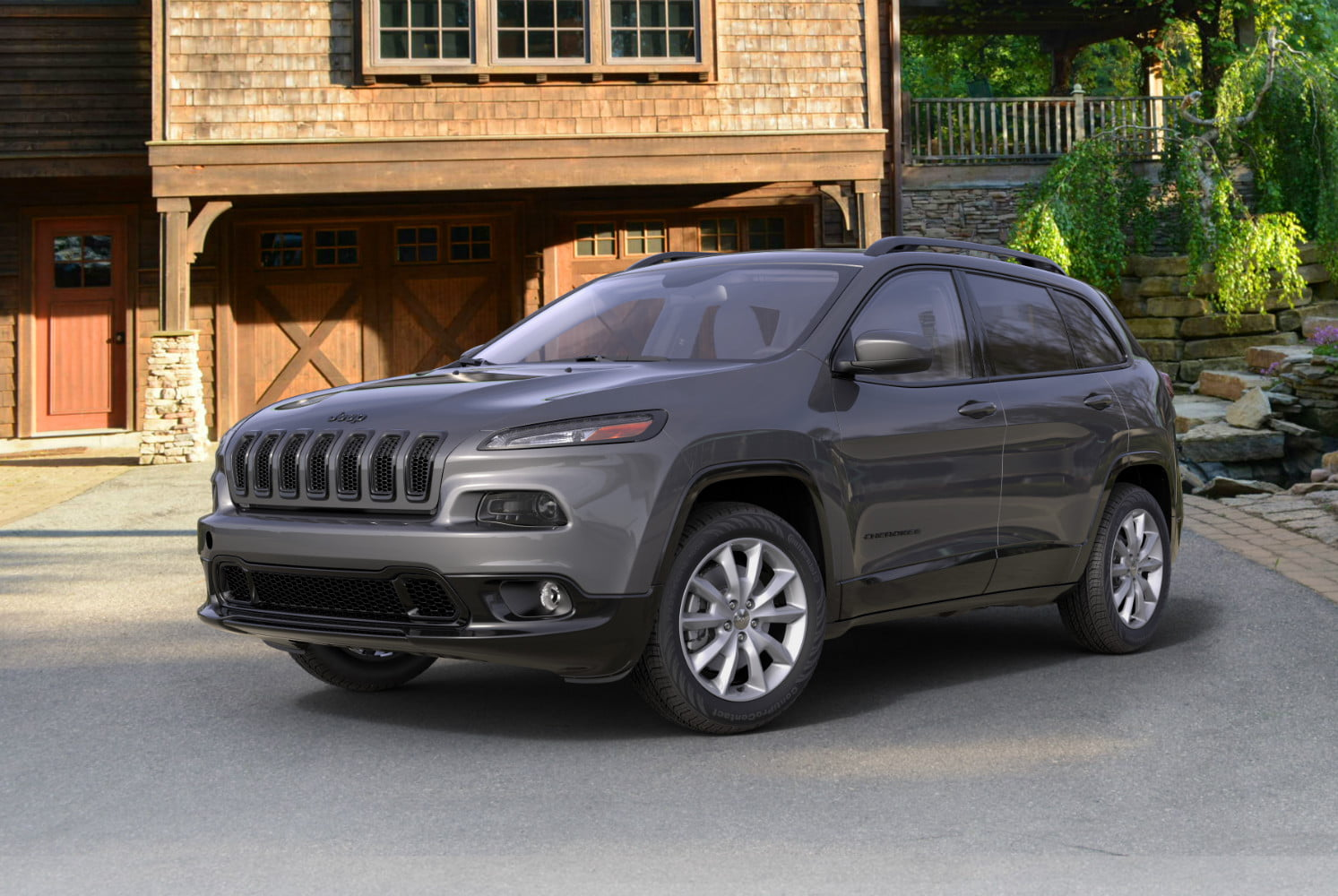 2018 Cherokee Latitude with Tech Connect package