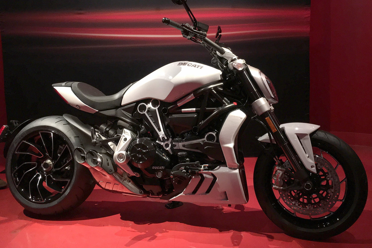 ducati 2018 motorcycle preview xdiavel s full logo2