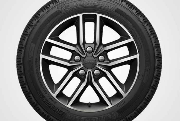 2018 Jeep Grand Cherokee Limited 18-inch aluminum wheels