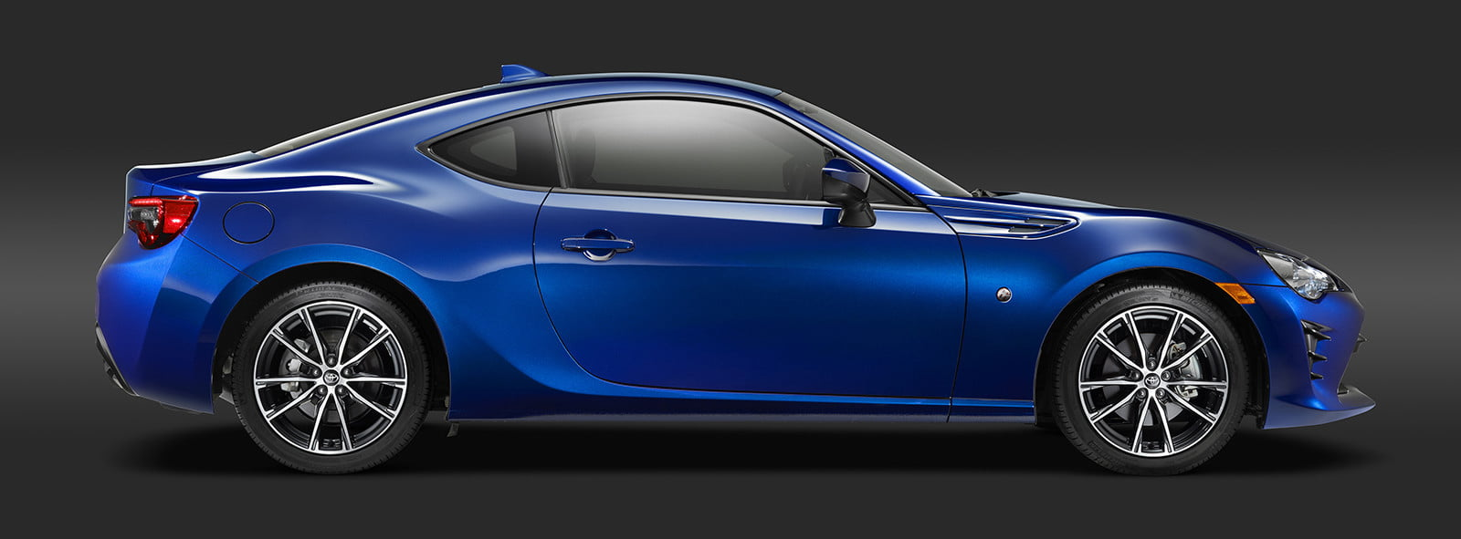 toyota and subaru reboot 86 sports coupe for second generation 2018  16