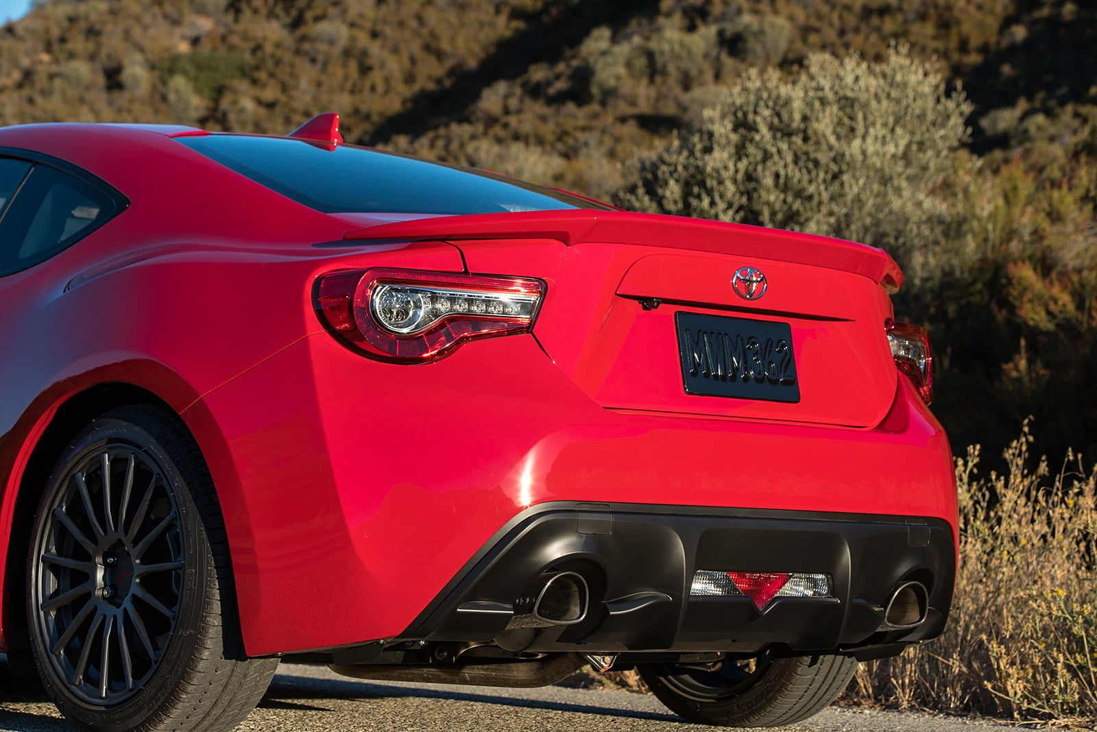 toyota and subaru reboot 86 sports coupe for second generation 2018  36