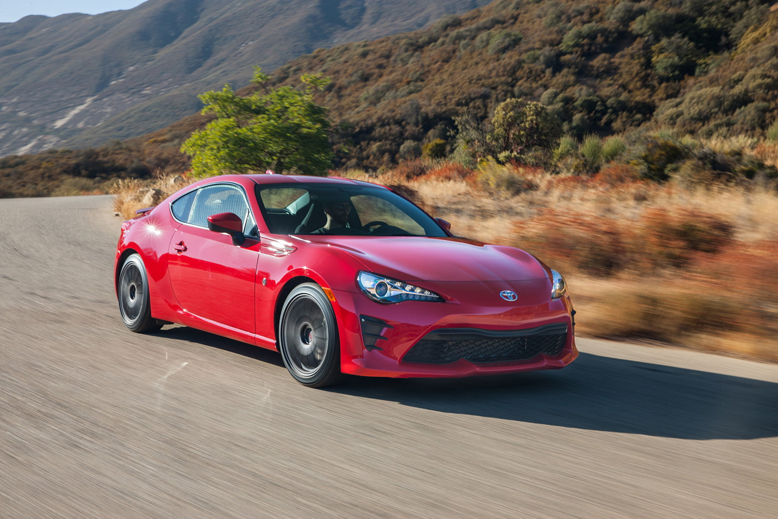 toyota and subaru reboot 86 sports coupe for second generation 2018  7
