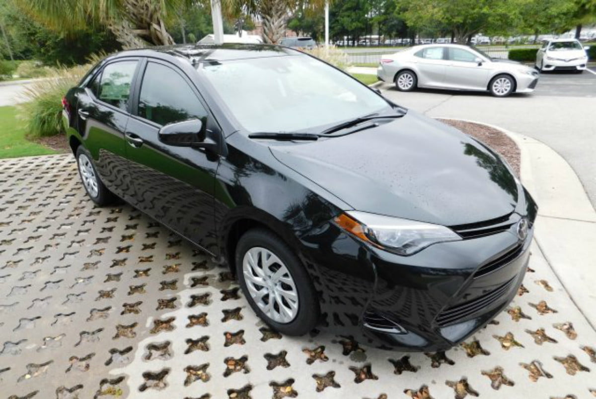 2018 toyota corolla features specifications prices le 01