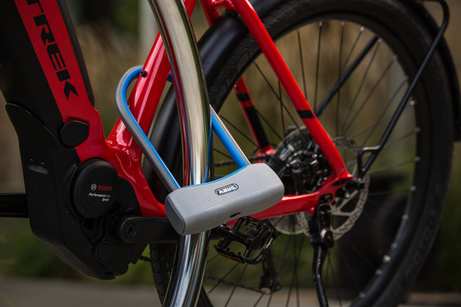 abus 770a smartx proximity aware intelligent u lock protects your ride 20180821  s8a1095 1