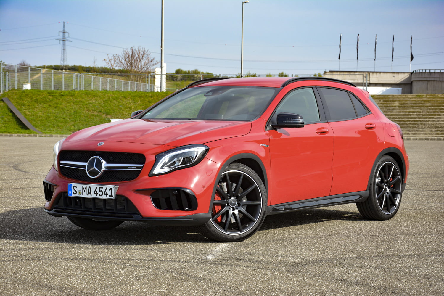 2018 mercedes amg gla45 first drive impressions specs 514