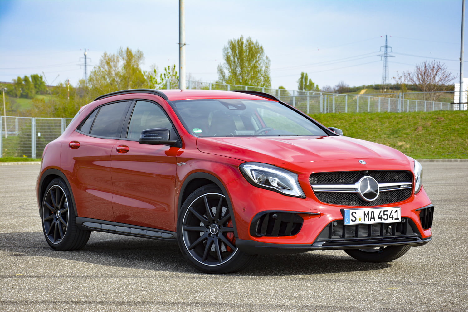 2018 mercedes amg gla45 first drive impressions specs 516