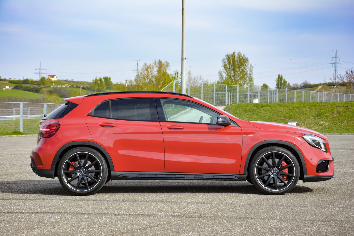 2018 mercedes amg gla45 first drive impressions specs 517
