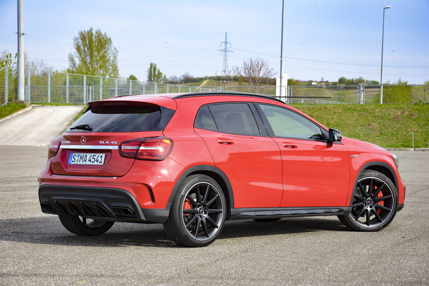 2018 mercedes amg gla45 first drive impressions specs 518