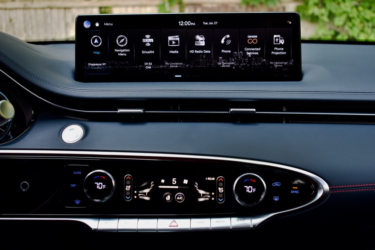 The 2022 Genesis GV70's touchscreen and HVAC controls.