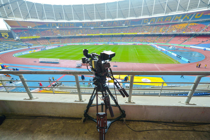 researchers teach cameras to follow sports action 54317598  live tv camera