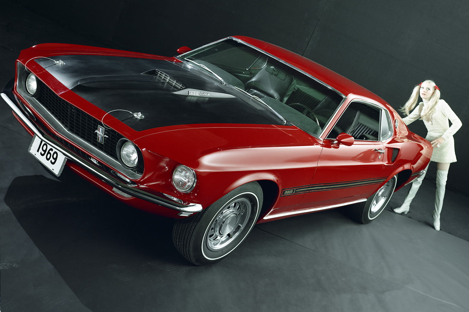 ford mustang history 69 10