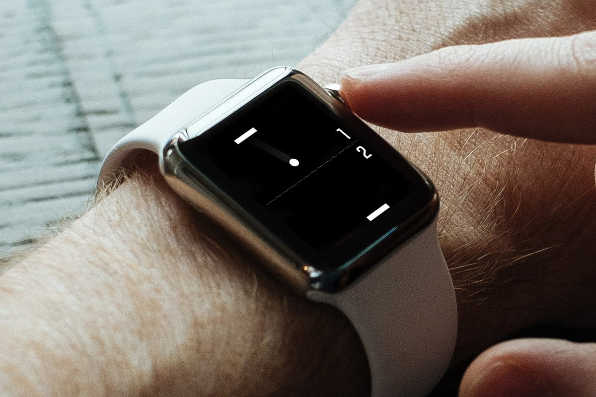 heres a tiny game of pong for your apple watch iphone ios 1