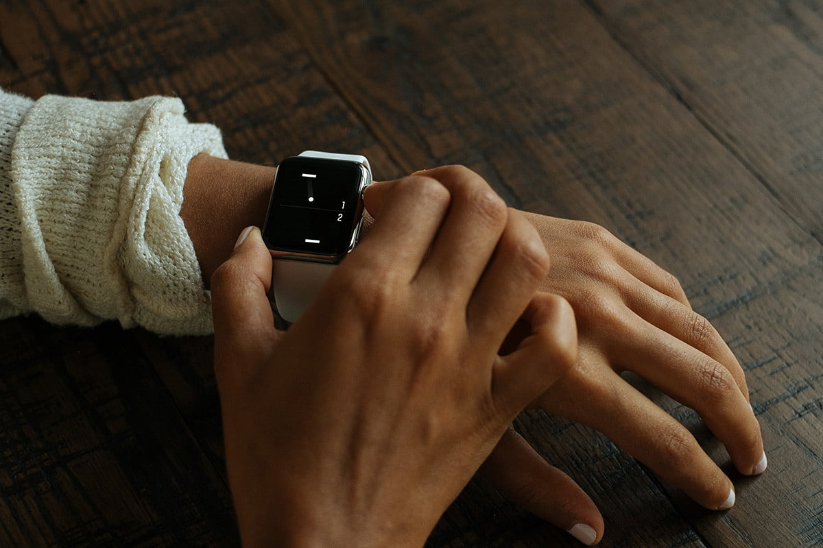 heres a tiny game of pong for your apple watch iphone ios 6