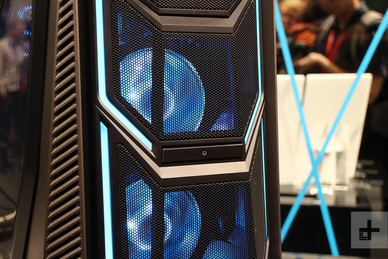 Acer Predator Orion 9000 front grill