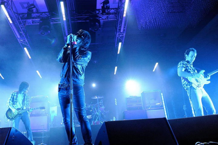 the strokes release first new single in years version 1464259441 albert hammond jr 013