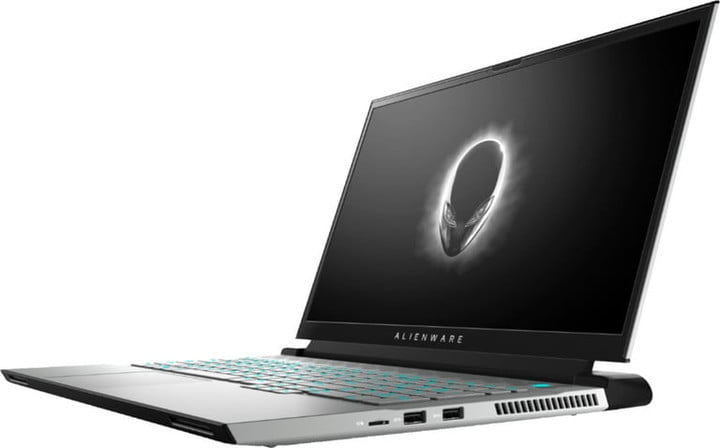 Side view of the Alienware M17 R4.