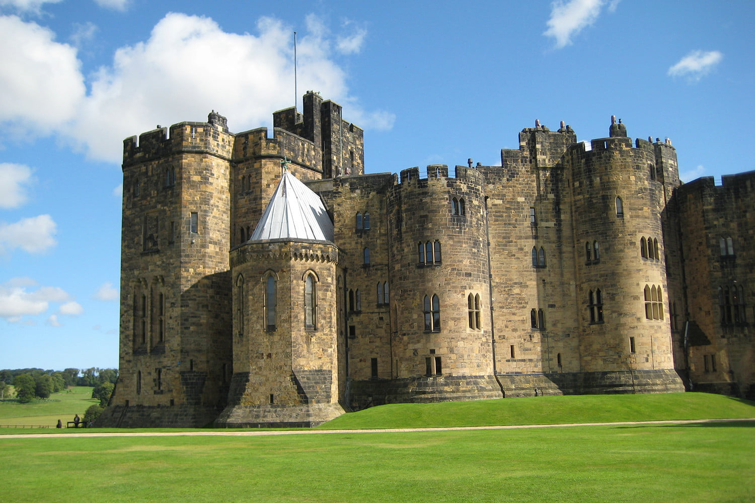 10 famous movie locations you can actually visit alnwick castle 2