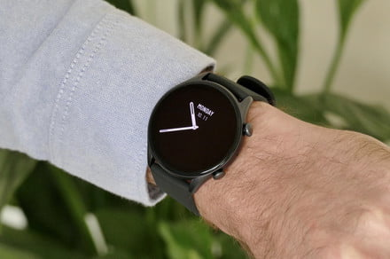 5 things the Amazfit GTR 3 Pro can do that the Apple Watch Series 7 can't