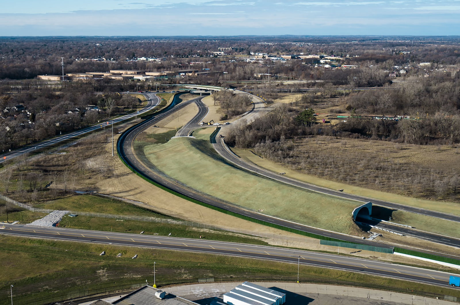 worlds first highway test facility for autonomous vehicle opens in michigan american center mobility  1