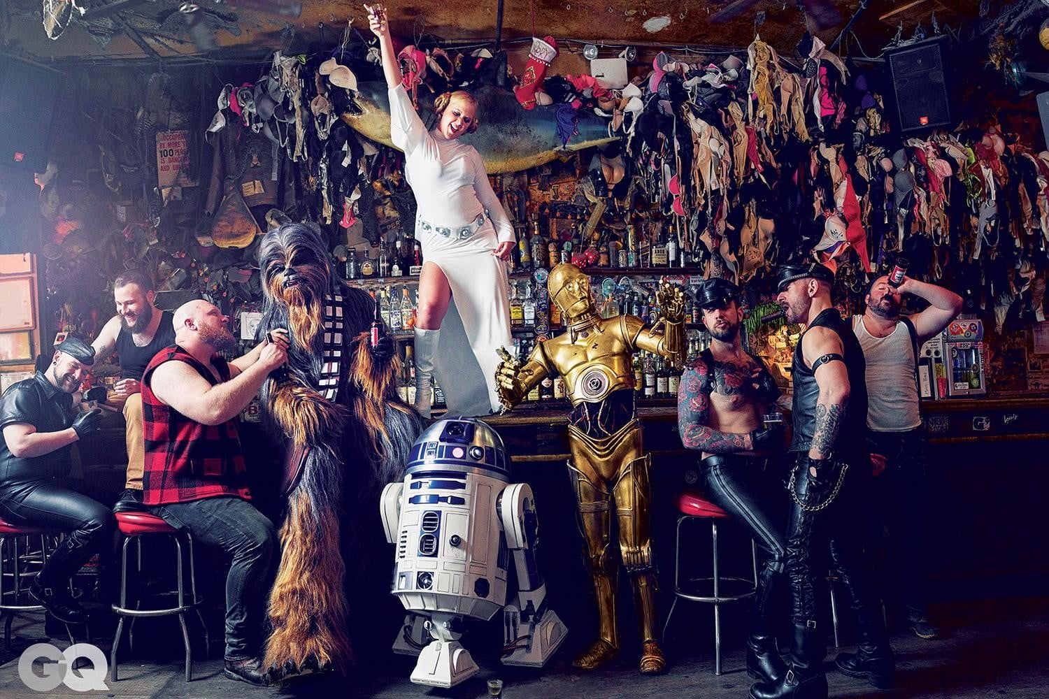 amy schumer risque star wars photo shoot gq is the funniest woman in galaxy  mark seliger 02