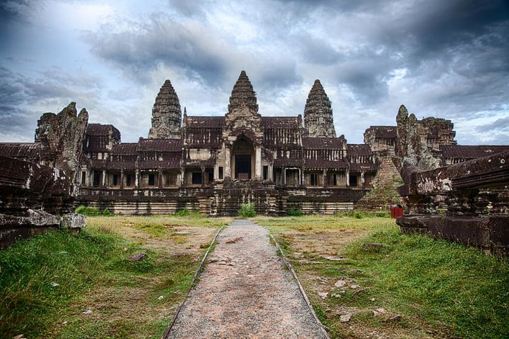 google street view explores angkor 1000 year old temples