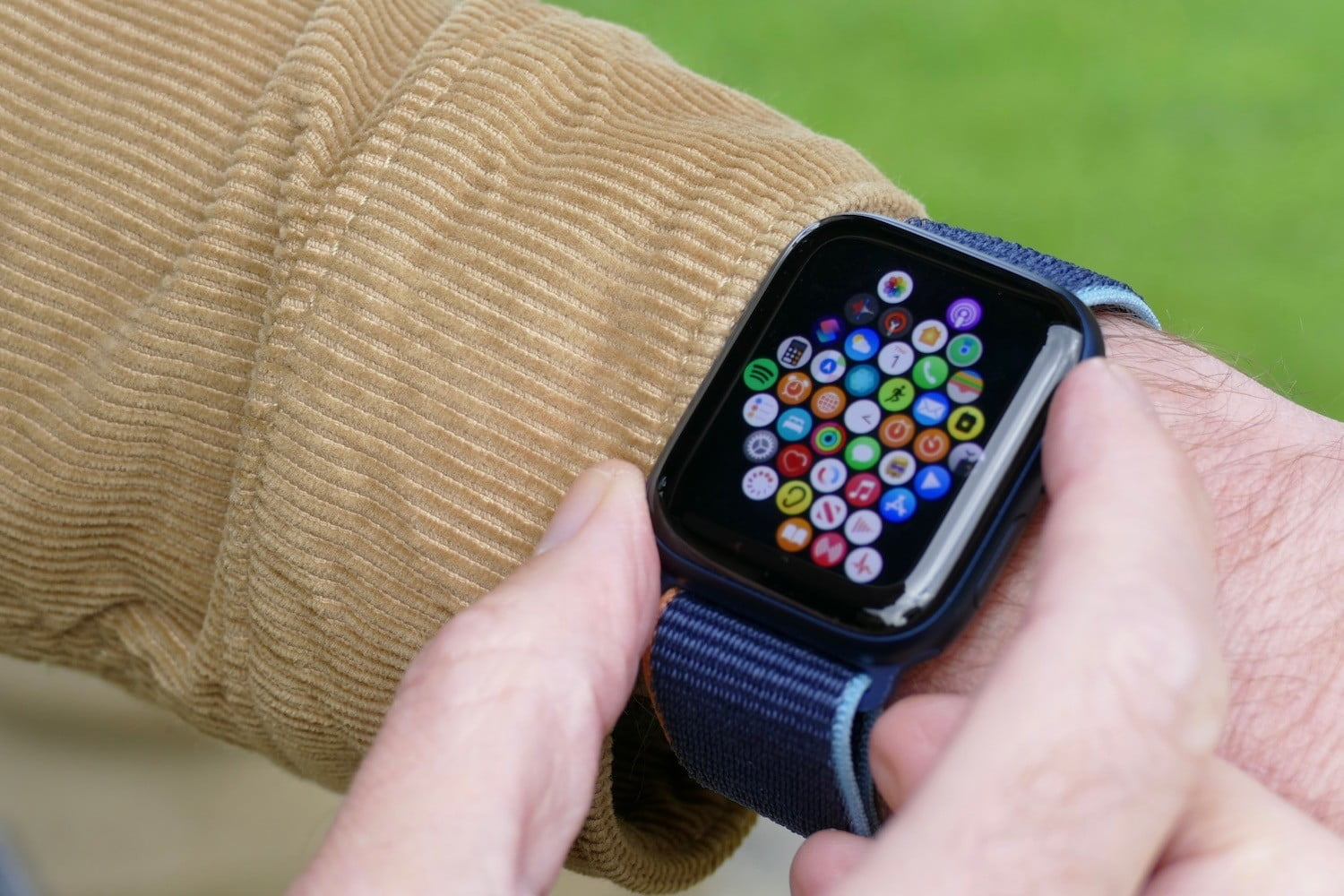 apple watch series 6 review apps