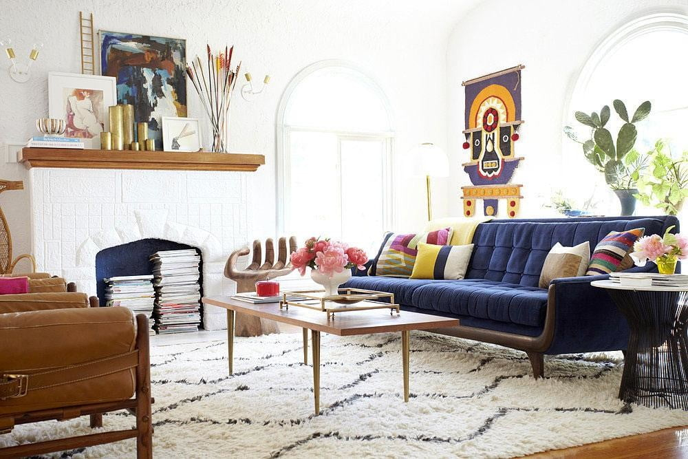 sites and apps that make home design decor easy aptdeco white walls in colorful living area