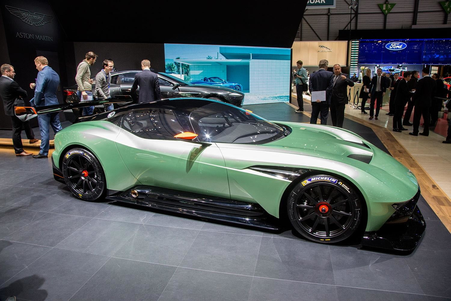 aston martin vulcan official spec pictures and performance 2