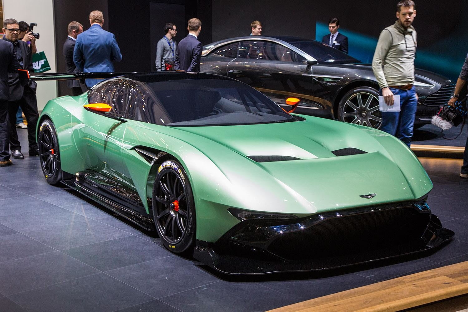 aston martin vulcan official spec pictures and performance 5