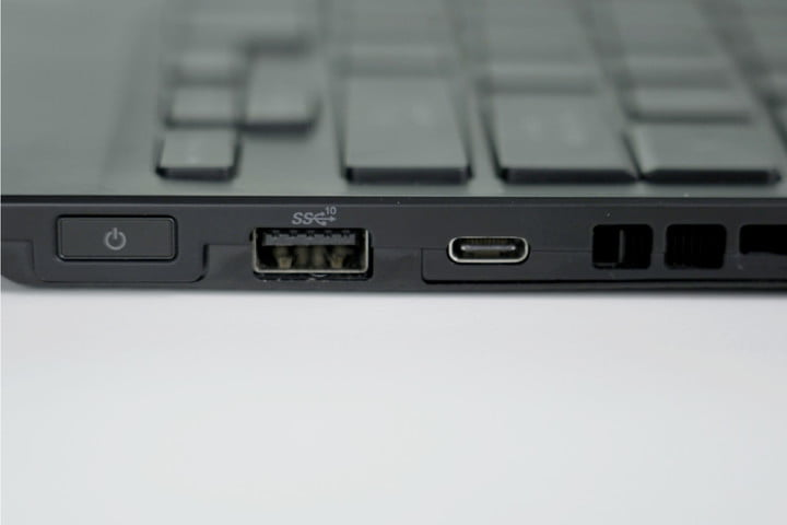 The ports of the ROG Flow X13.