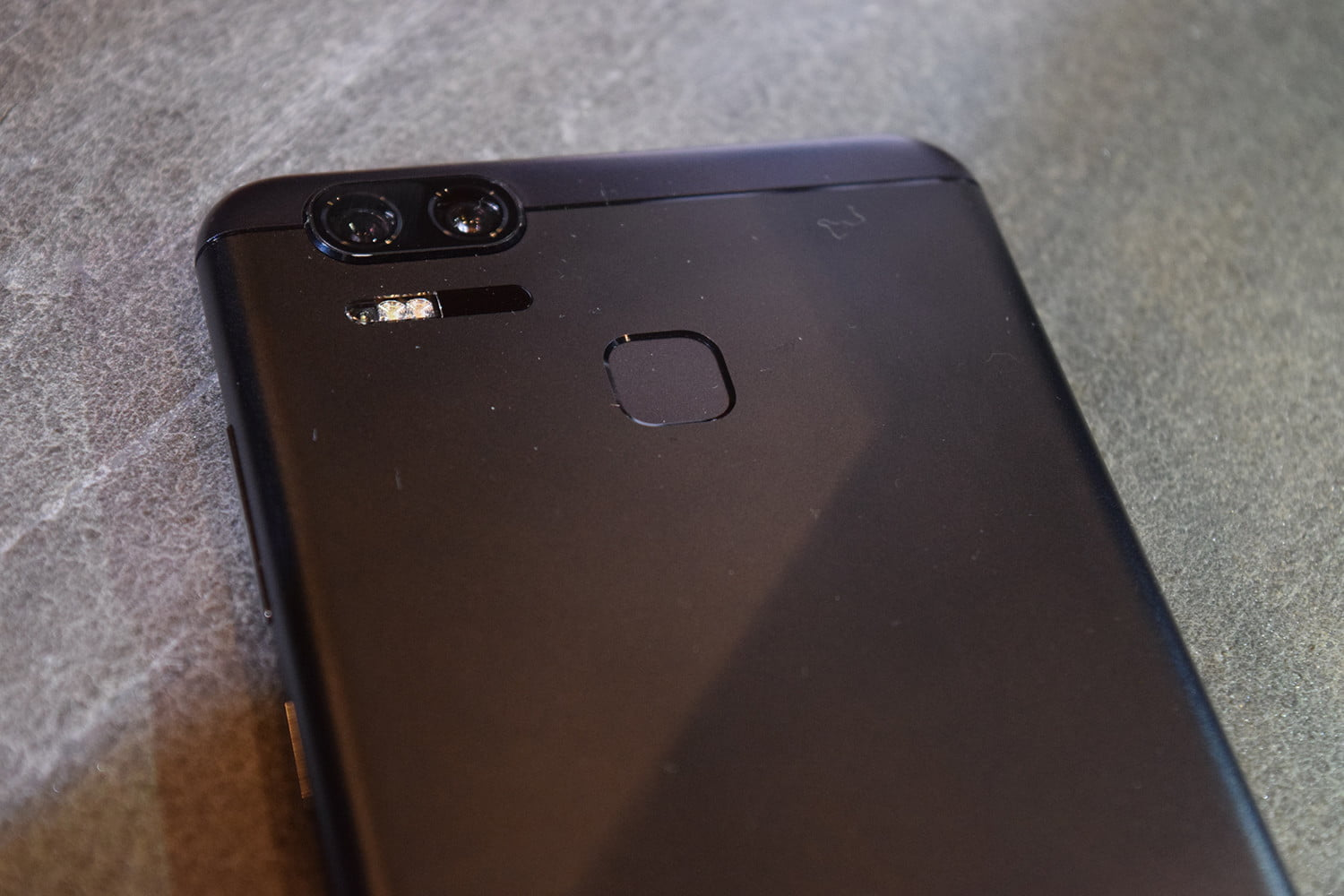 asus zenfone 3 zoom first impressions ces 2017 11