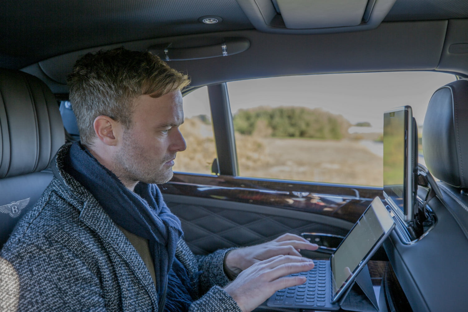 bentley super fast in car internet advanced connectivity 03