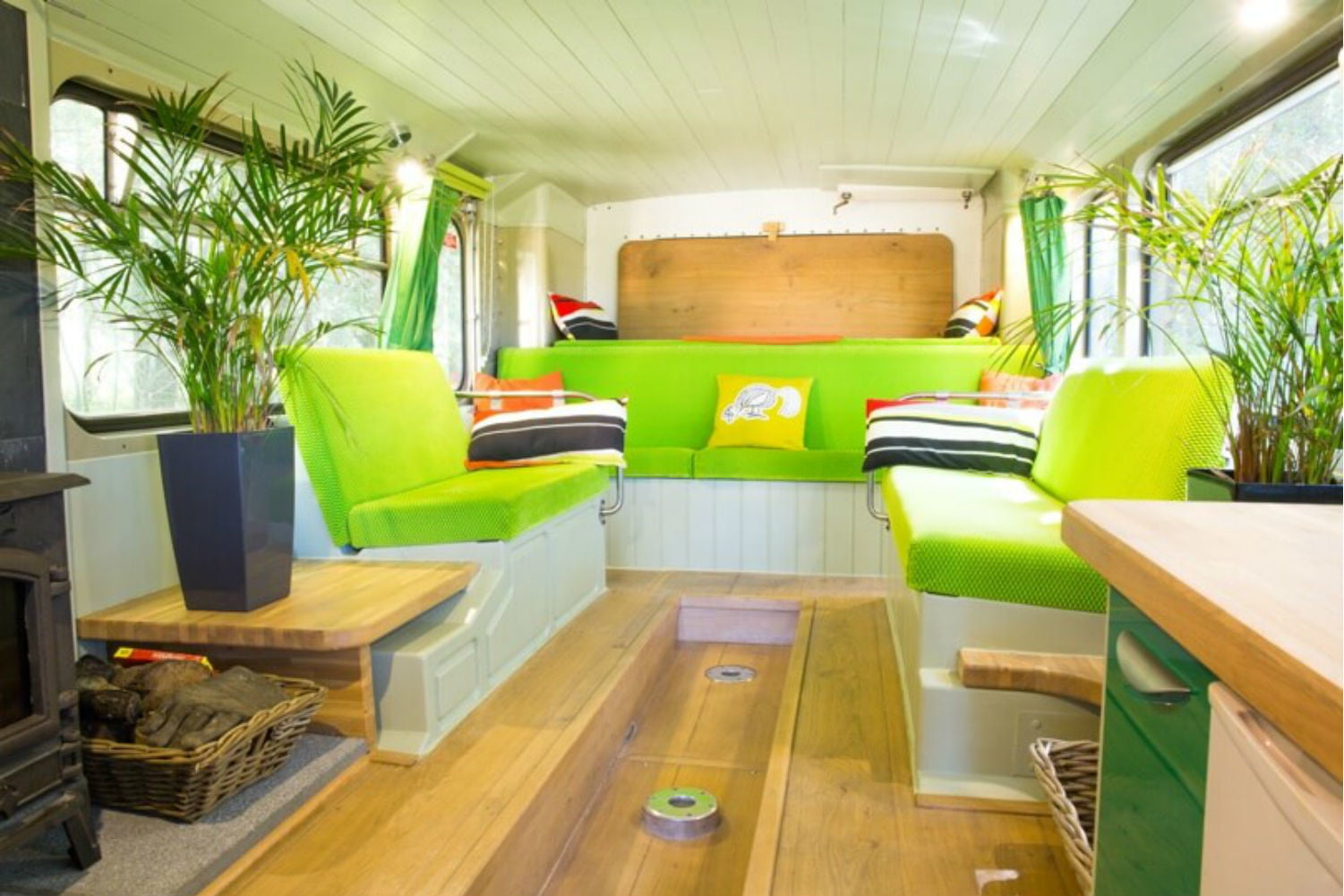 coolest bus to mobile home conversions biggreenbus3