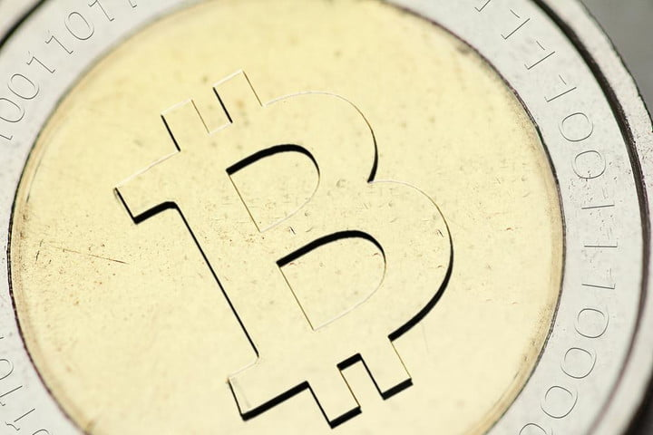 chicago sun times test paywall accepts bitcoin tweets