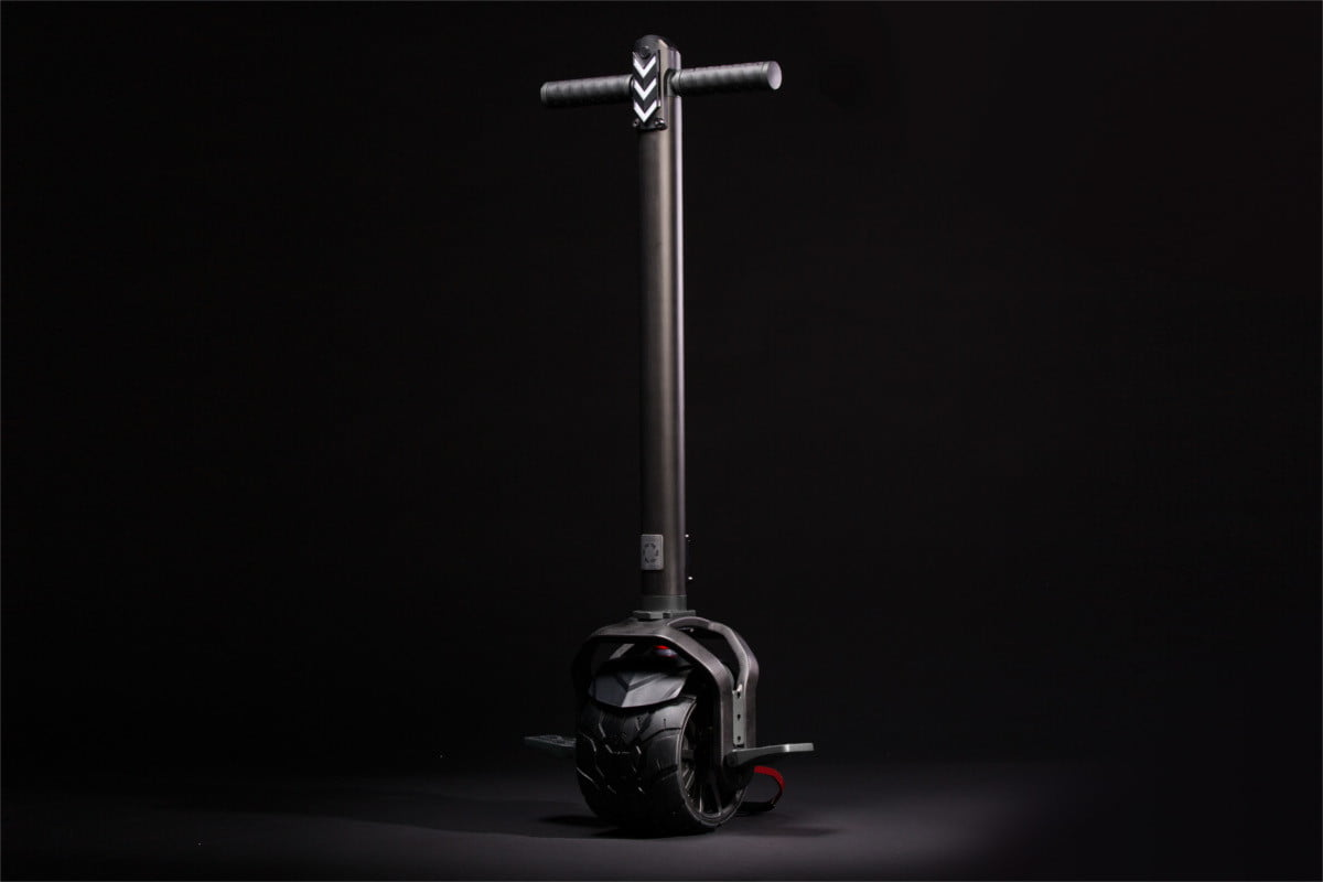 kiwano electric scooter black 45 degrees
